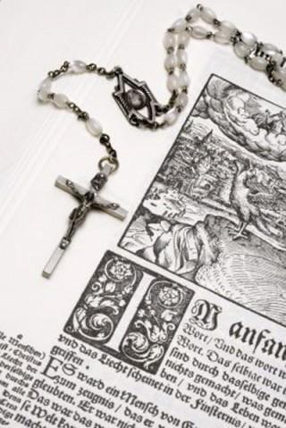 Kors og bibel